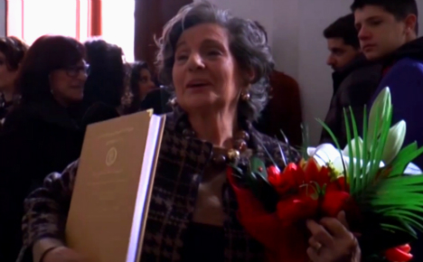 Italian gran scoops degree with top marks - aged 87