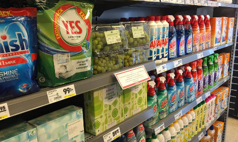 Grapes sold with toilet bleach as Swede launches eco war