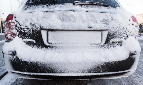 Traffic woes as Sweden's snowy weather returns