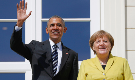 Obama makes farewell visit to Germany on free trade push