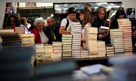 Barcelona bookstores reinvent themselves to survive