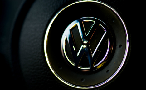 Chiefs at troubled Volkswagen 'refuse to forgo bonuses'