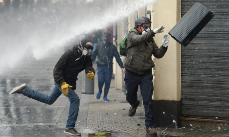 Fresh violence in protests over French labour reforms