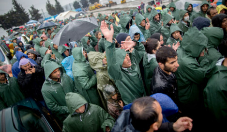 Migrant arrivals in Germany fall to new low