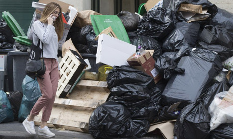 All rubbish will be cleared off Paris streets today: Mayor