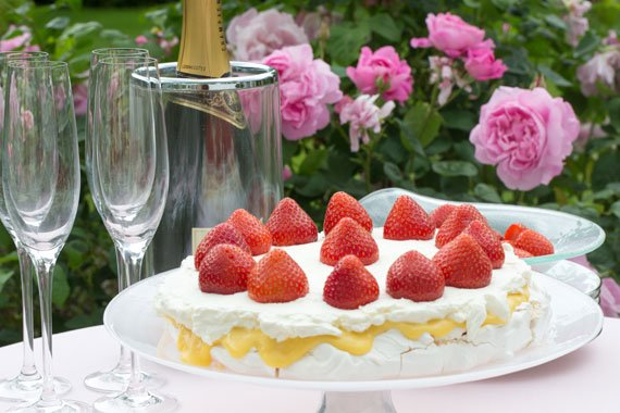 How to make Karin's delicious Midsummer cake