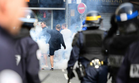 England fans in fresh clashes with riot police in Lille