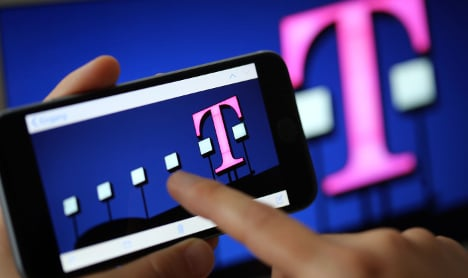 Telekom warns all users to change passwords after scam