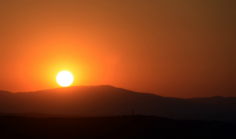 Spain sizzles in its first heatwave of summer 2016