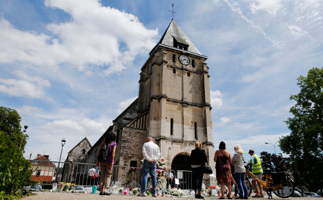 France's Muslims urged to attend mass in solidarity