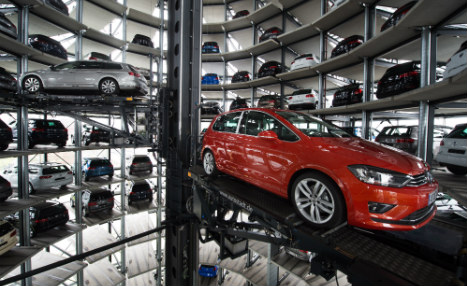 VW reaches supplier deal to resume production