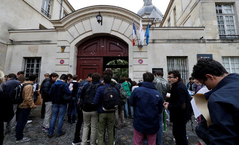 'Mock attacks': How France will boost security at schools