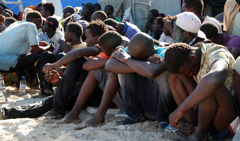 Migrants mass in Libya in deadly 'race against time'