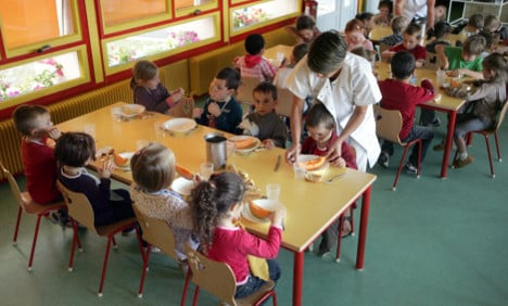 French primary school drafts in cop to hush noisy pupils