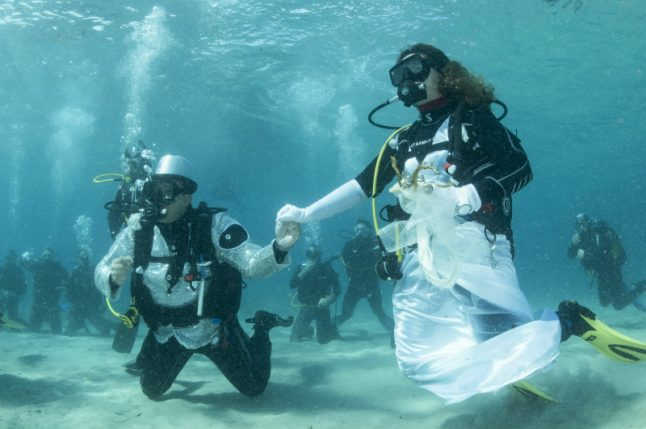 This Italian couple had a magical underwater wedding