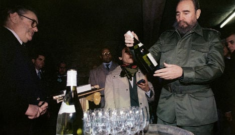 Hollande hails Castro as 'great figure of 20th century'