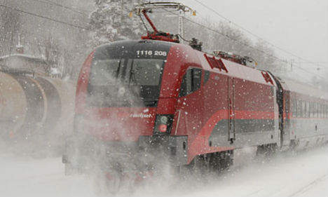Snow causes traffic chaos in western Austria