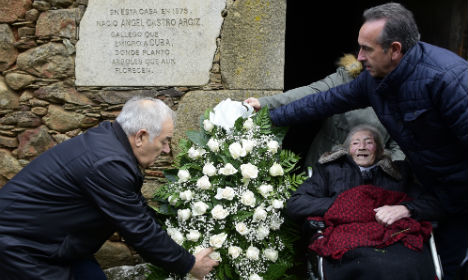 Spanish hometown of Fidel's father pays tribute to leader