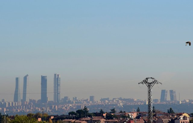 Madrid activates anti-pollution measures as air contamination spikes