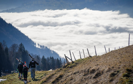 Skiers left disappointed as snow steers clear of Swiss slopes