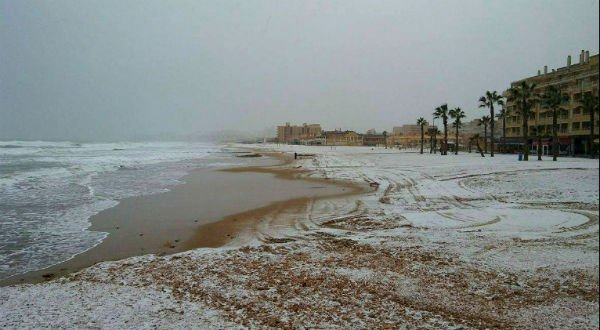 GALLERY Amazing images of Spain's beaches in snow