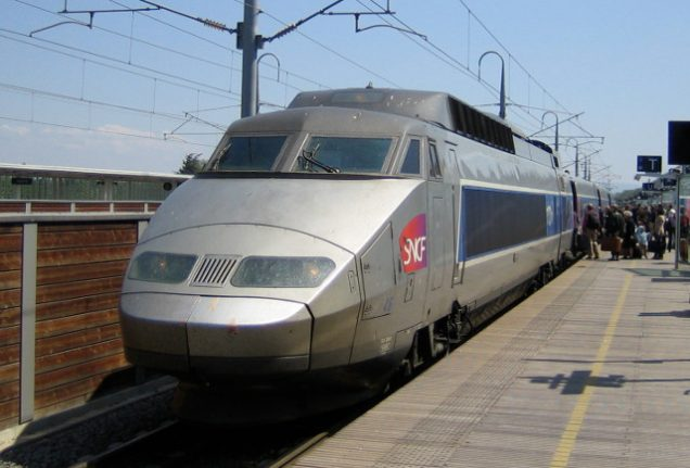 French train leaves with baby after mum hops off for cigarette