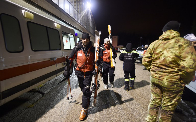 'No sign of life' as rescuers race to find avalanche survivors