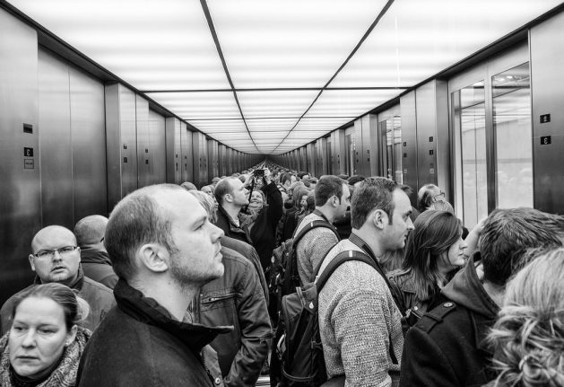 Five etiquette tips for taking an elevator in France