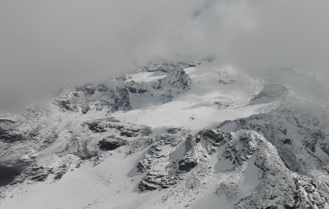 Swiss resorts offer discount ski passes in bad weather