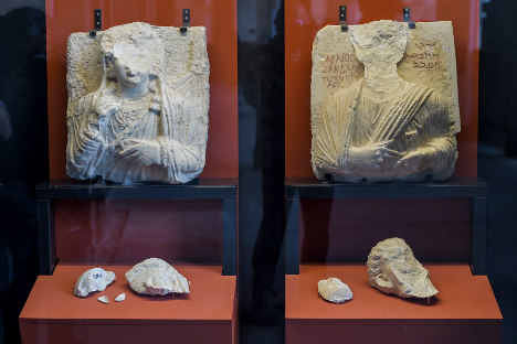 Italian restorers fix Palmyra artefacts destroyed by Isis
