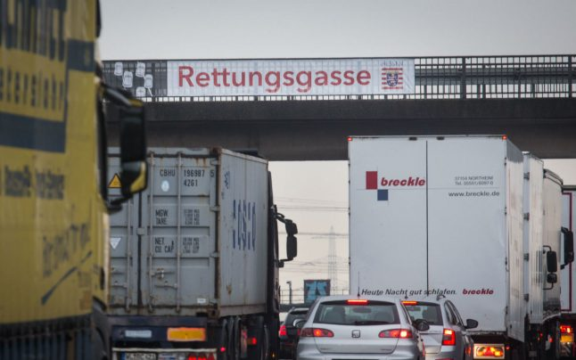 Fire crews identify drivers who blocked Autobahn rescue and insulted medics
