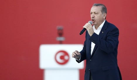 German state bans foreign officials campaigning amid Turkey row