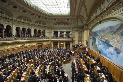 Swiss government's EU-friendly immigration plan likely to avoid referendum challenge
