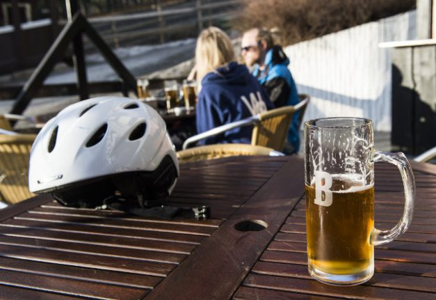 Young Swedes swapping alcohol for social media and the gym: study