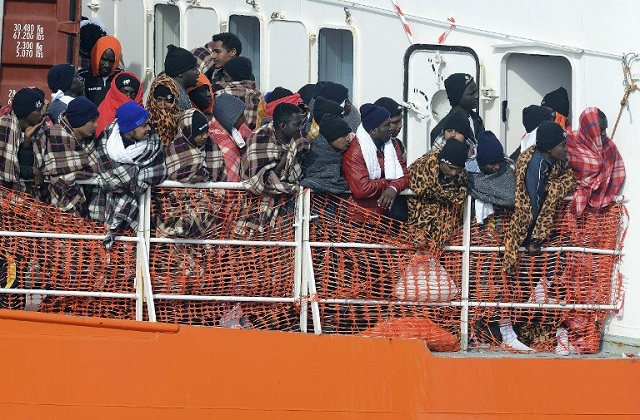 Easter weekend sees record numbers of migrants arrive in Italy