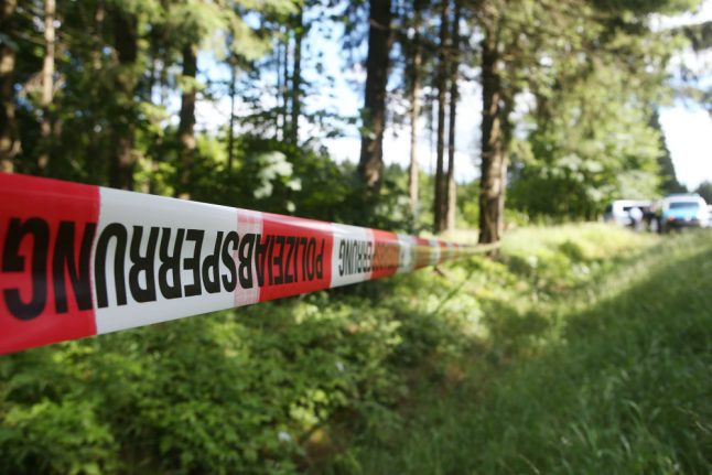 Skull found by schoolkids could unravel mystery of headless body in Cologne