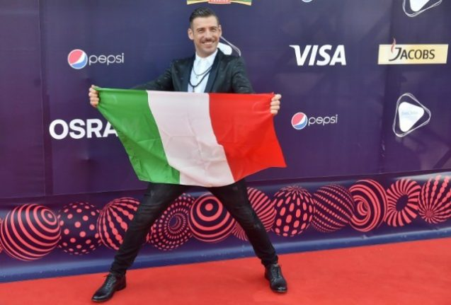 Italy's Eurovision entry takes aim at the 'selfie-addicted anonymous'