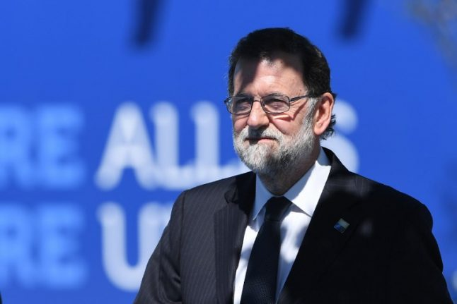 Spain's Rajoy gets majority support for 2017 budget