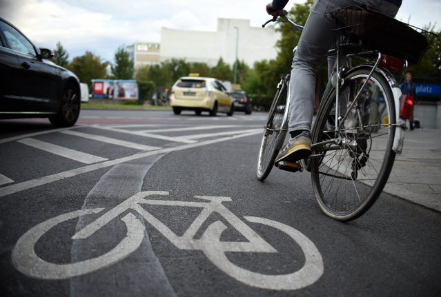 Diplomat kills cyclist in Berlin by opening car door too quickly