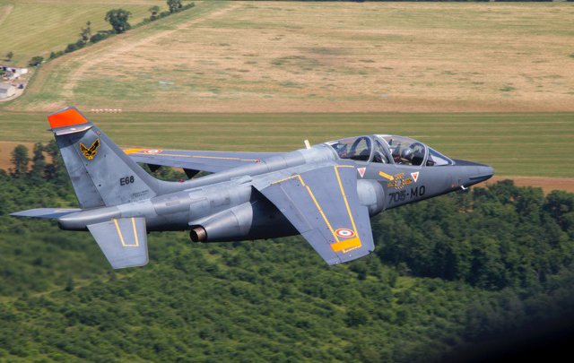 French air force chief under fire for taking fighter jet for weekend trips to Provence