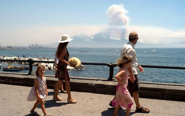 IN PICTURES: Fire rages at Italy's Mount Vesuvius