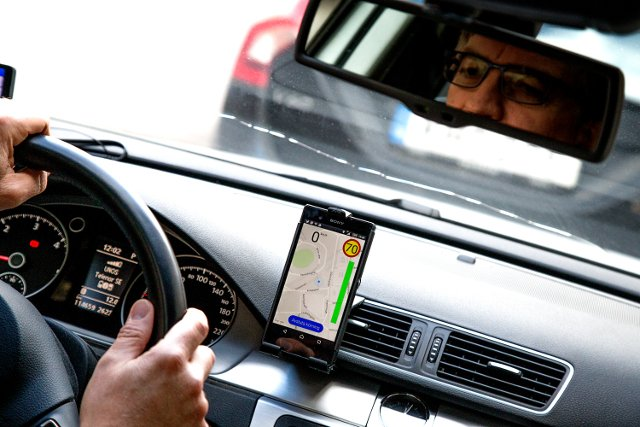 Swedish experts call for new rules to get unfit elderly drivers off the road
