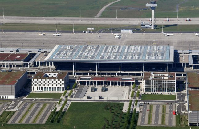 Still unopened, Berlin Airport plans ambitious expansion