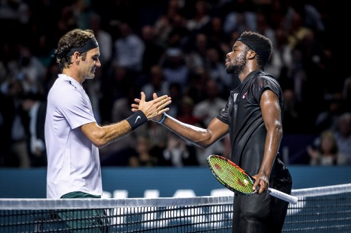 Federer strolls into second round at Swiss Indoors