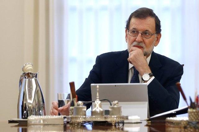 Spanish PM Rajoy asks Catalan government to 'clarify' if it declared independence