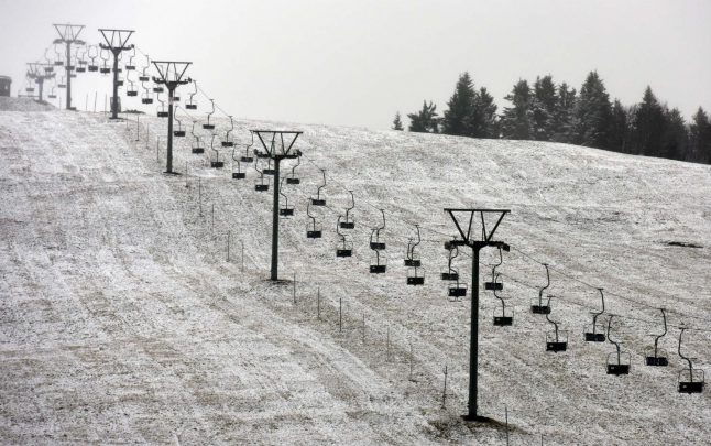 First snow of the season coats ski resort in south Germany