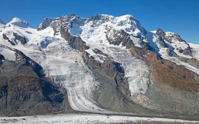 Swiss glaciers lost 3 to 4 percent ice in the last year alone