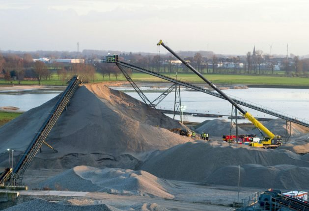 Two die in accident at gravel pit in western Germany