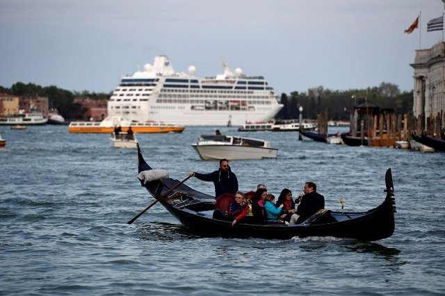 Venice to restrict cruise ship access to protect its historic buildings