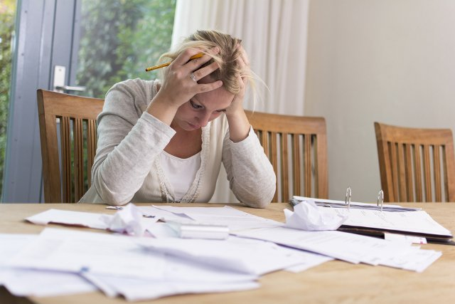 Report: A fifth of Swiss residents struggle financially